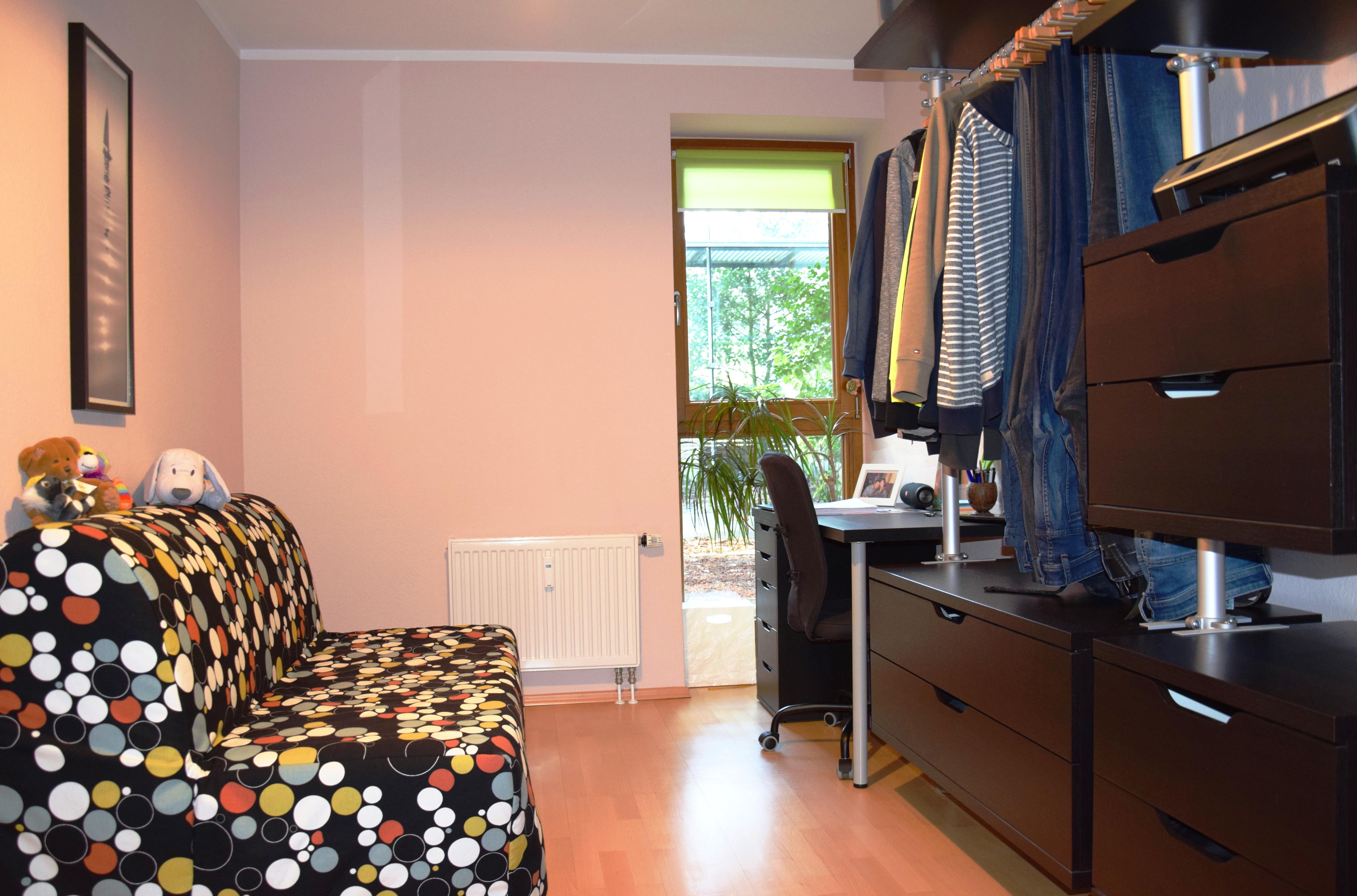 Schlafzimmer 2 li