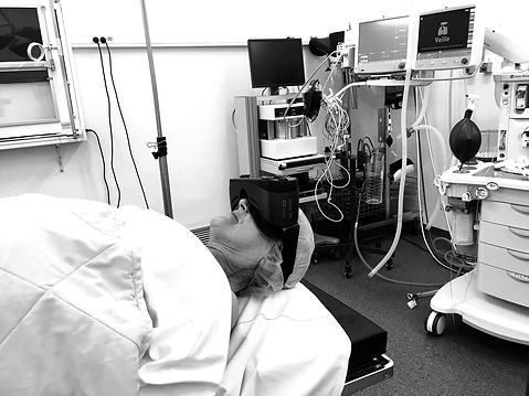 patiente avec casque vr_edited.jpg