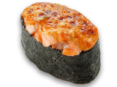Запеченная суши с лососем