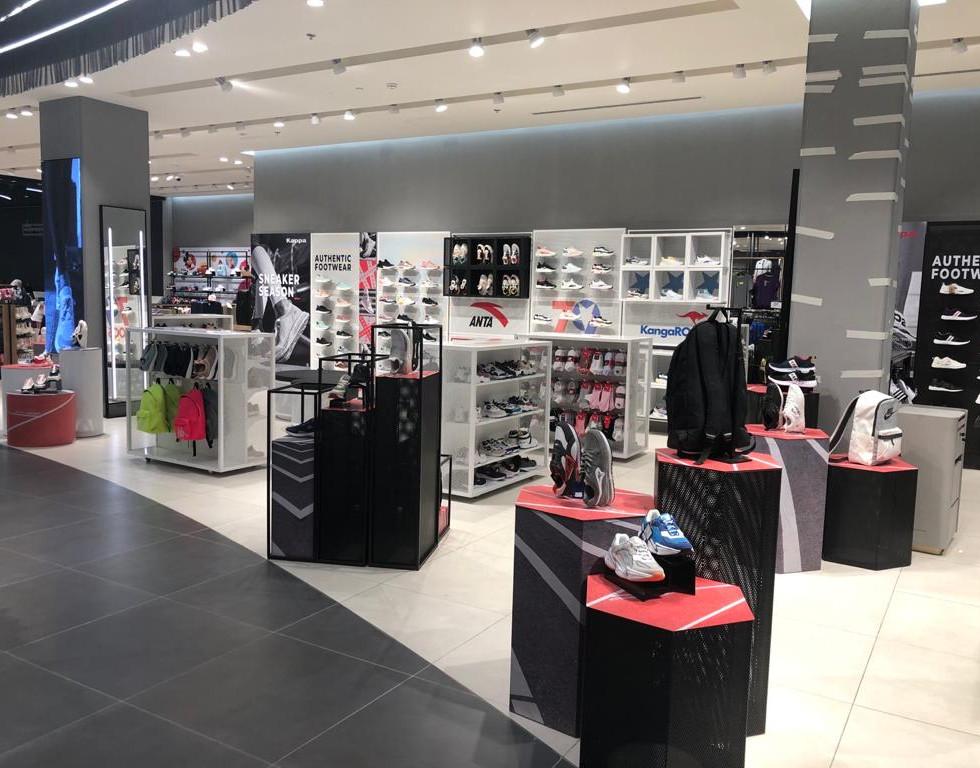 effebi-retail-fashion-sport-shoemart-07.