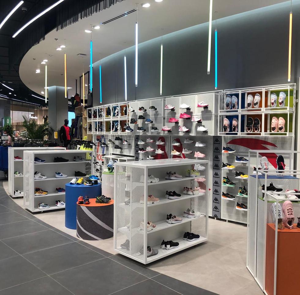 effebi-retail-fashion-sport-shoemart-02.