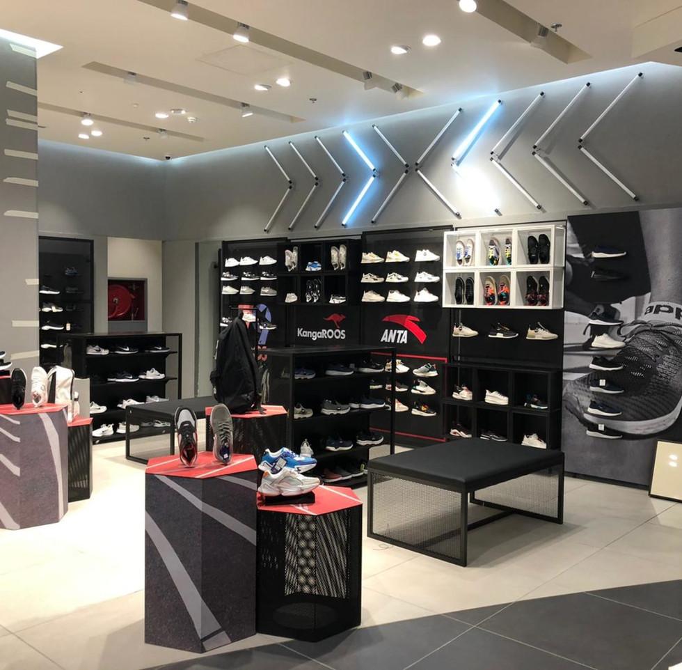 effebi-retail-fashion-sport-shoemart-11-