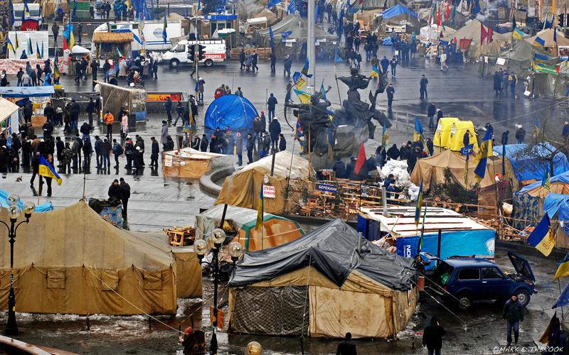a cold rainy tent city day 7-040.jpg