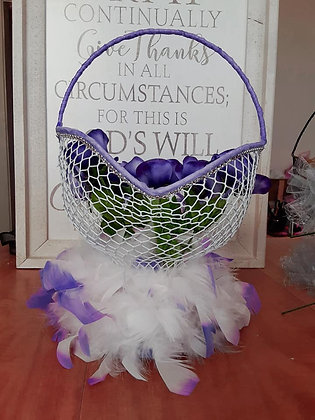 Krafty & Creative Wire Basket Purple w/Feathers