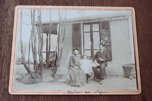 Photo ancienne 1900 famille devant maison campagne mode scène de vie