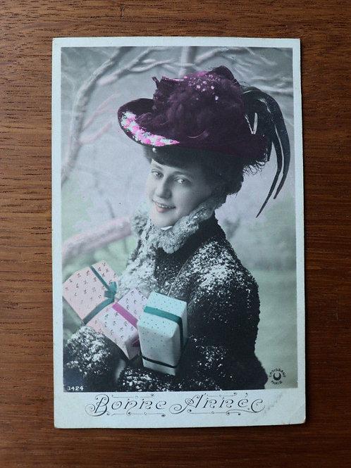 CPA fantaisie photo Bonne année femme rétro mode 1908