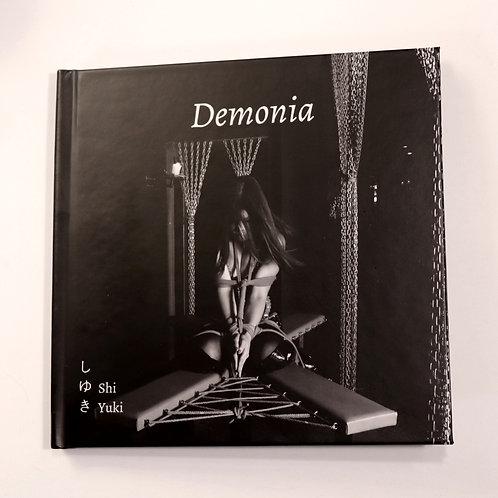 Shi Yuki. Demonia. 2018. 30 exemplaires. BDSM / Shibari photos album