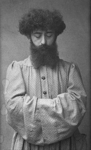 """Nécrologie de Joséphin Péladan par Octave Uzanne (La Dépêche, 24 juillet 1918). """" [...] un héro"""