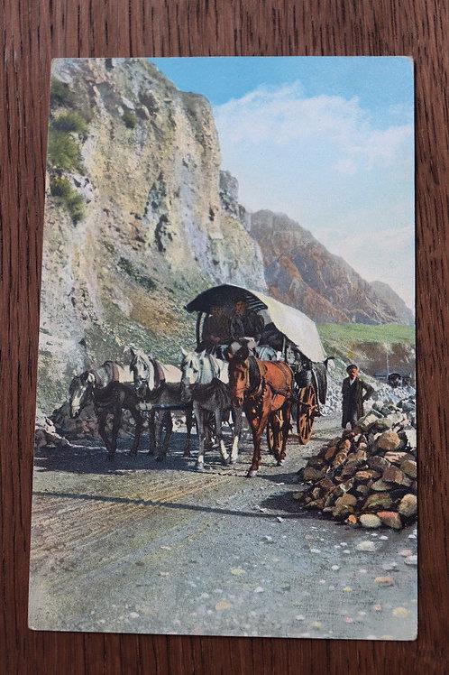 CPA Route Militaire de Géorgie Voiture de Transport Le Caucase