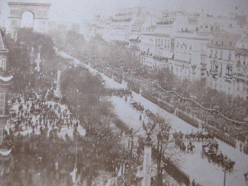 Photographie ancienne défilé militaire 14 juillet Avenue Champs Elysées Paris