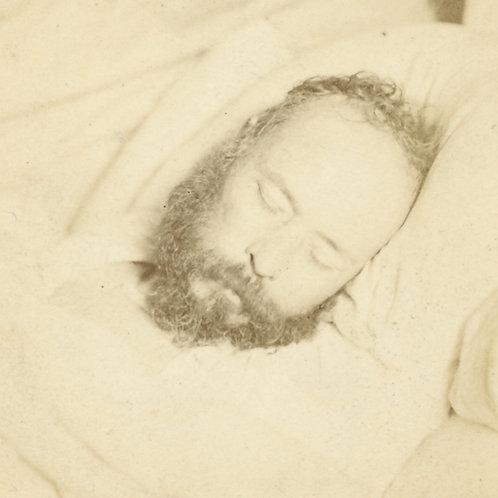 Etienne Carjat. Pierre-Joseph Proudhon photographié sur son lit de mort (1865).