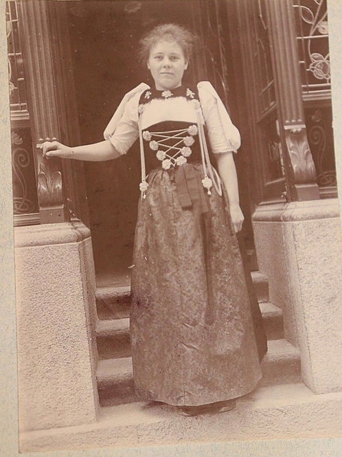 Photographie ancienne 1900 Femme Costume traditionnel Suisse Lucerne
