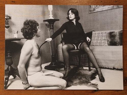 Photographie Amateur Vintage X BDSM (vers 1970-1975). Slave at home ...