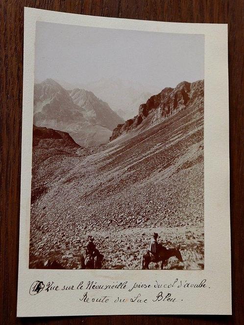 Photographie ancienne 1899 Néouvieille Col d'Aoube Route lac bleu Pyrénées âne