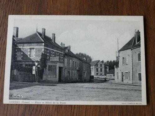 CPA Noyers Place et Hôtel de la Poste
