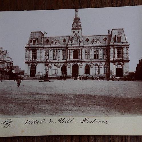 Photographie ancienne 1899 Hôtel de ville place Poitiers Vienne
