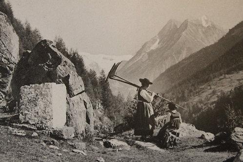 Alpages Suisse Deux femmes avec faux et rateau CPA comme neuve non