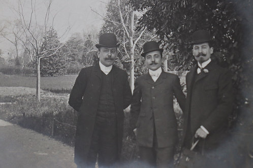 Photographie ancienne vers 1905 Hommes élégants moustaches mode chapeau melon