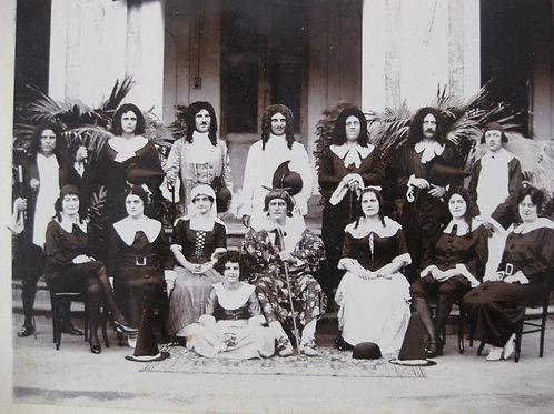 Photographie 1900 Groupe Théâtre comédie Molière Pondichery Inde