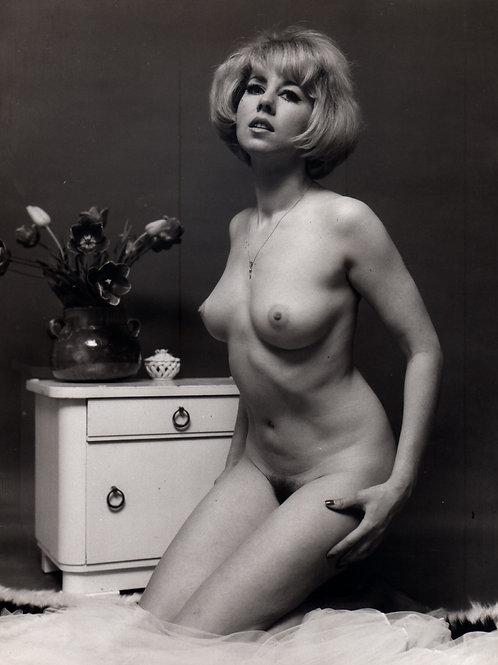 Nu. Tirage argentique d'époque (18 x 24 cm) vers 1970 par Hubert Toyot