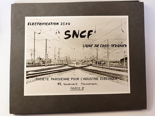 SNCF. Album de 24 photographies 22,8 x 17 cm (rails, caténaires, gare, stations)
