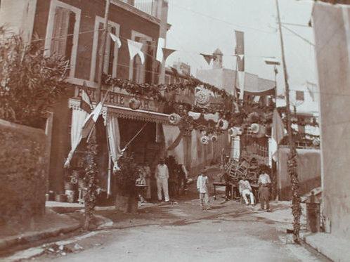 """Photographie ancienne 1905 Marseille 14 juillet Fête à """"Gasquet"""" épicerie"""