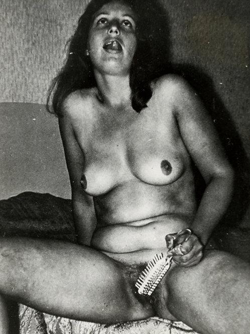 Photographie Amateur Vintage Nu féminin vers 1975. Ref. XX1