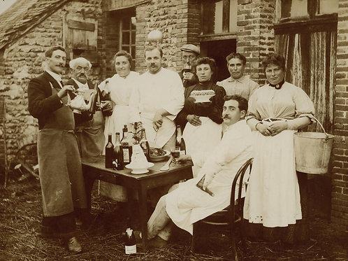 Photographie ancienne 1900-1910. Scène de fête. Vins et champagne.