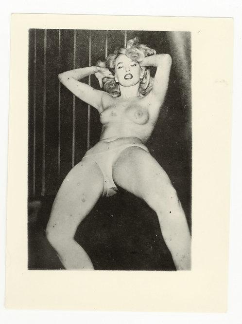 Photographie amateur argentique Pin Up '60 9,5 X 6,5 cm env. Ref. X2