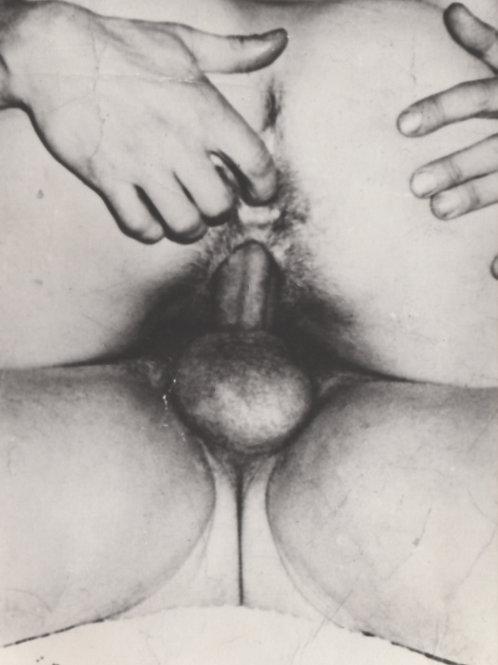 """Photographie originale amateur érotique (vers 1970). """"Le doigt"""""""