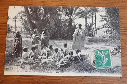 CPA Gabès vers 1930 Tunisie Afrique Groupe d'enfants