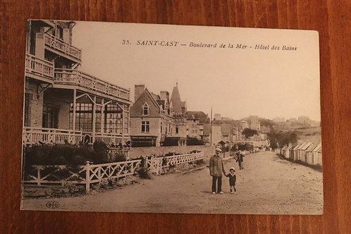 CPA Saint-Cast Boulevard de la mer Hôtel des Bains Côtes-d'Armor