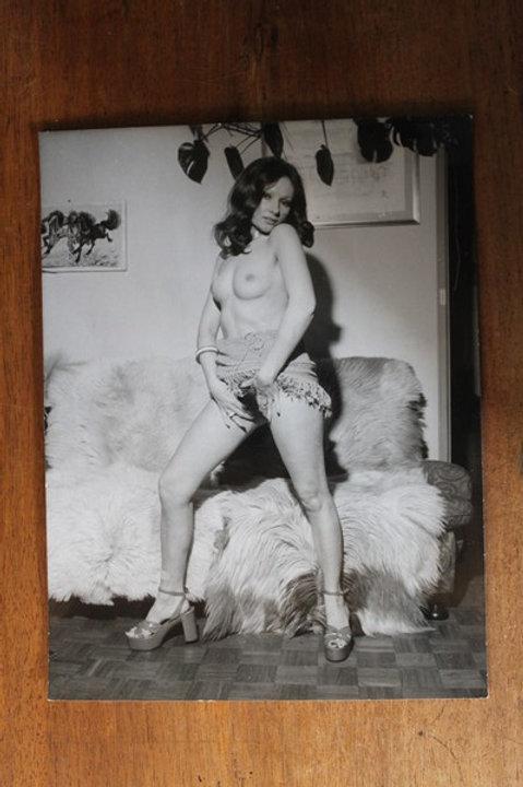 Photographie érotique par Hubert Toyot (vers 1970-1975). Charme