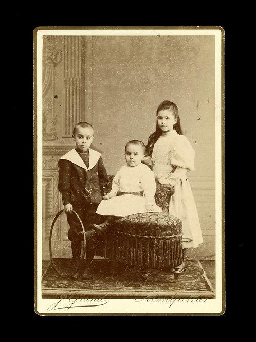 Photographie ancienne format cabinet enfants Montpellier J. Grand Maison Martin