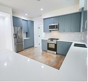 6611 leland - kitchen.JPG