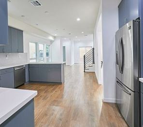 6611 leland - kitchen2.JPG