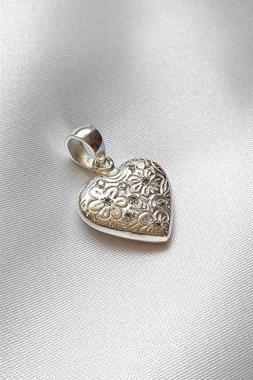 Dije de Corazón de Plata 950 y piedras engastadas
