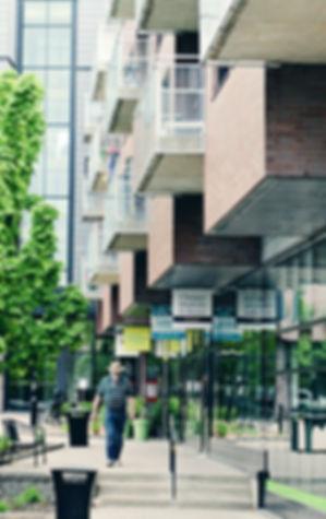 Services de santé & Commerces - Édifice - Manoir Saint-Bruno