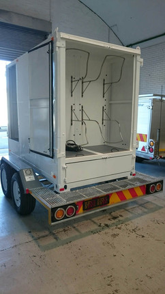Custom-Diving-gear-container-trailer-2.jpg