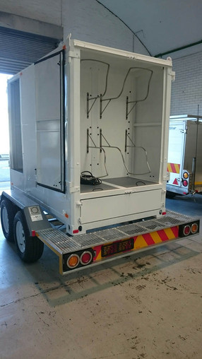 Custom-Diving-gear-container-trailer-2.jpg