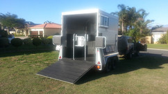 Custom-3-Berth-horse-box-2.jpg
