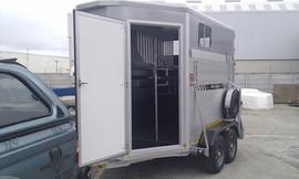 Custom-3-Berth-horse-box-3.jpg
