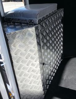 Groom Seat and Box