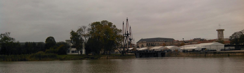Sur la Charente, l'Hermione