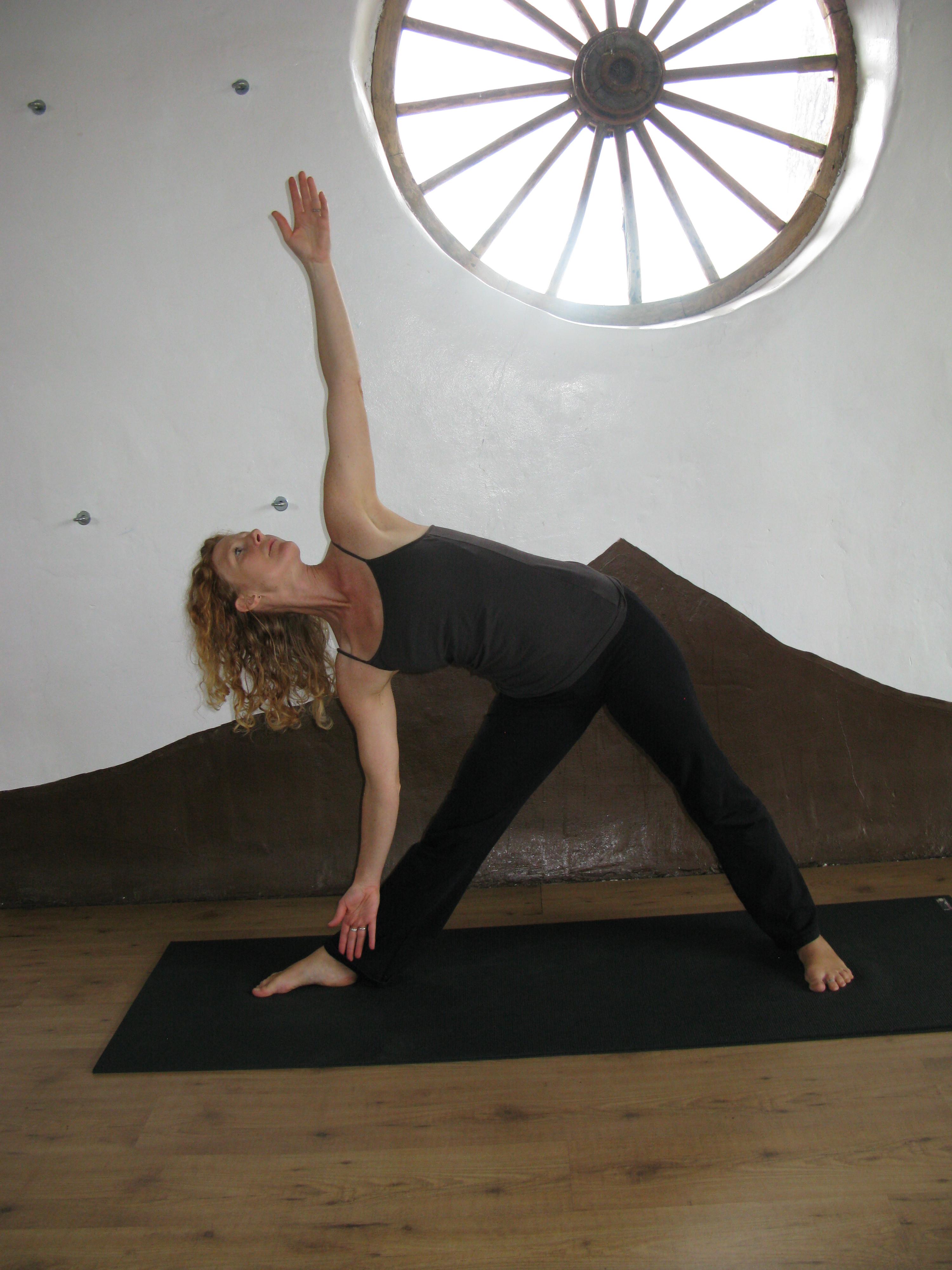 Monday 6.30pm-7.30pm Start the week yoga
