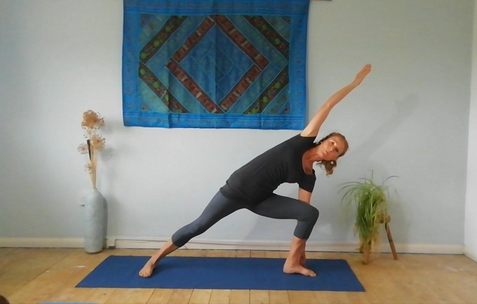 Friday 8-8.50am Early bird yoga