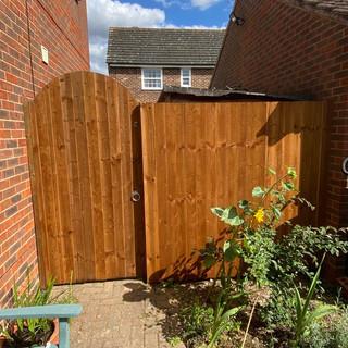 close-board-garden-gate-1