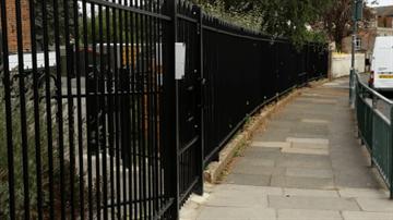 bowtop-railings.png