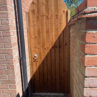 close-board-garden-gate-2