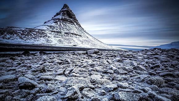 Kirkjufell's Rocky Beach (Iceland)